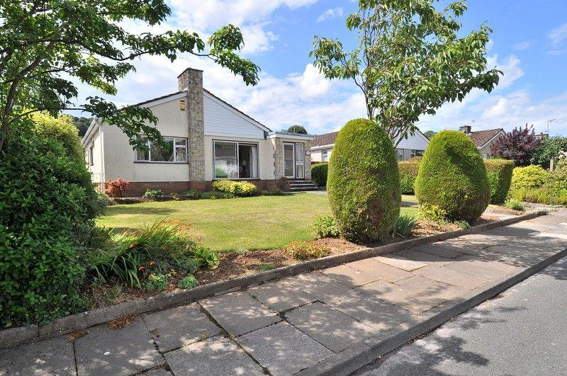 3 Bedrooms Bungalow for sale in Grange Close, Wenvoe, Cardiff. CF5