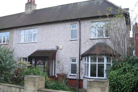 3 bedroom semi-detached house to rent - Nunroyd Avenue, Leeds LS17