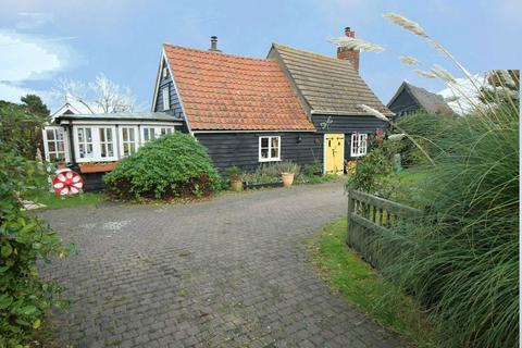3 bedroom cottage for sale - Harwich Road, Beaumont, Clacton-On-Sea, Essex, CO16