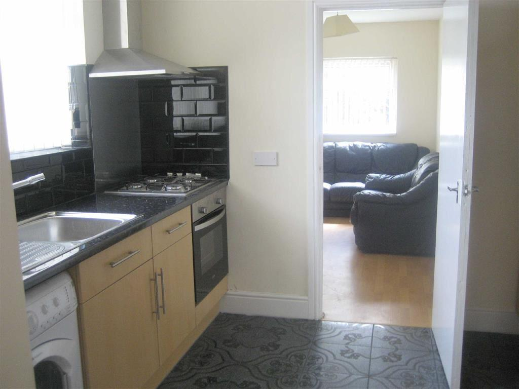 5 Bedrooms House Share for rent in Lees Hall Crescent, Fallowfield, Manchester