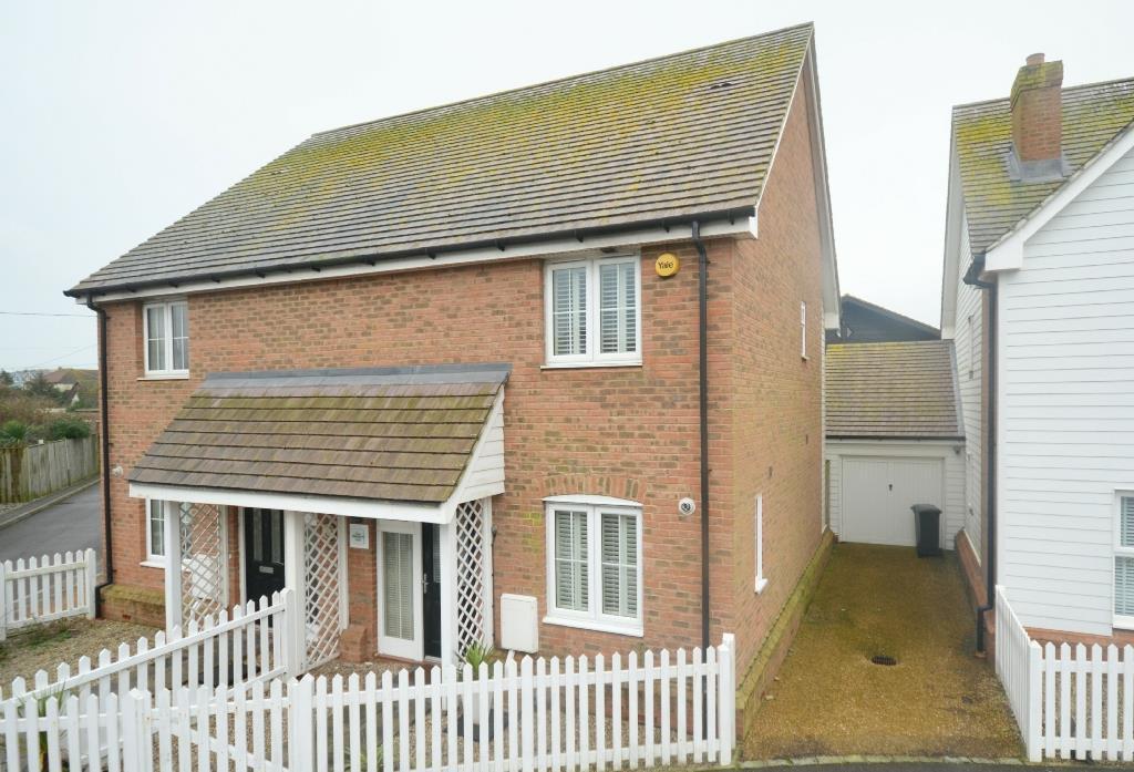 2 Bedrooms Semi Detached House for sale in Skylark Lane, Camber