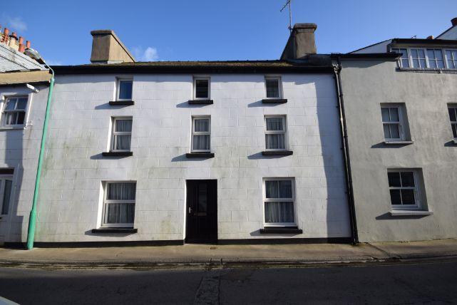 3 Bedrooms House for sale in Malew Street, Castletown, IM9 1AF