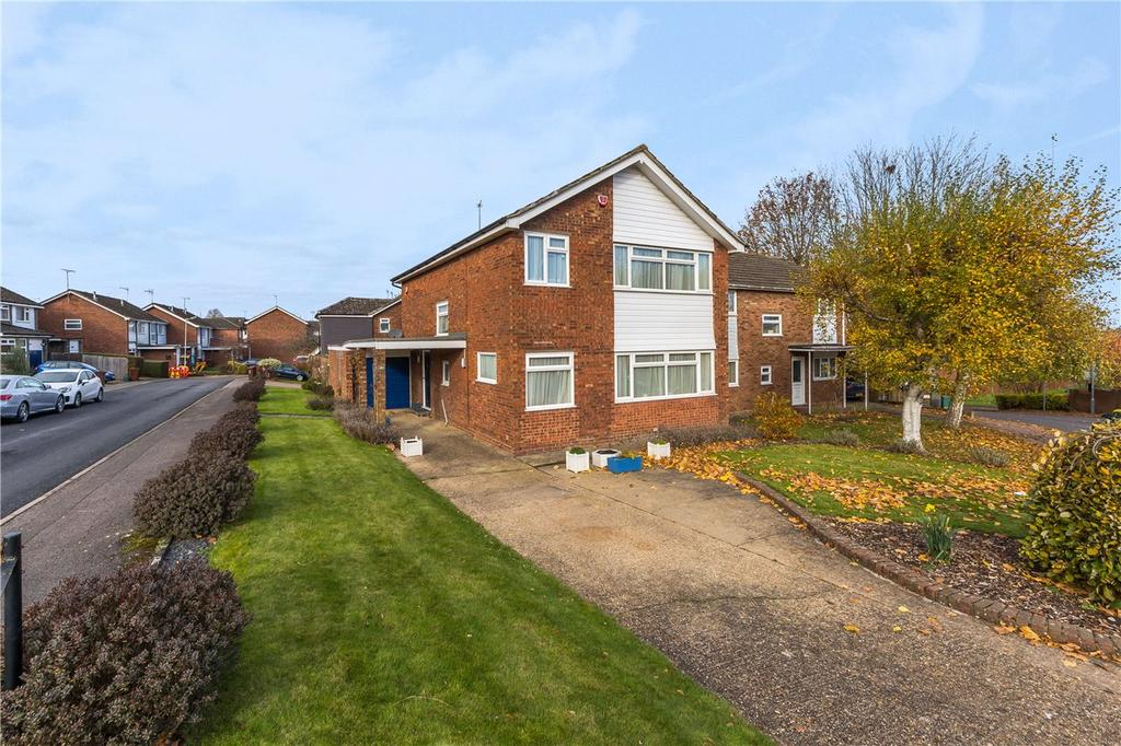 4 Bedrooms Detached House for sale in Aldwickbury Crescent, Harpenden, Hertfordshire