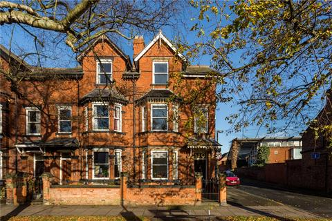 4 bedroom end of terrace house for sale - Clifton, York, YO30