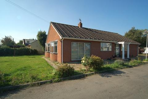 3 bedroom detached bungalow to rent - Willoway Park, Red Lodge, Bury St. Edmunds