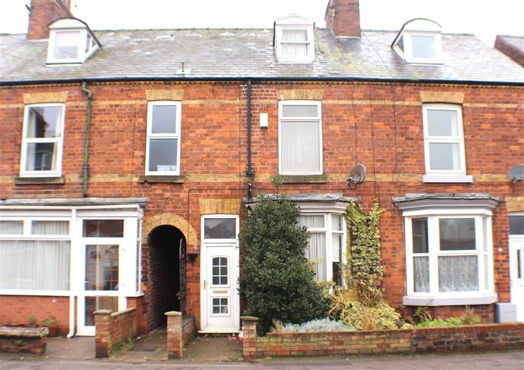 3 Bedrooms Terraced House for sale in St Johns Walk, Bridlington, East Yorkshire