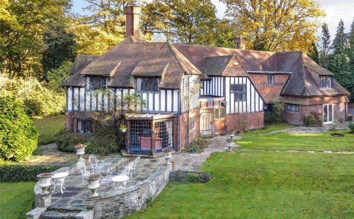 6 Bedrooms Plot Commercial for sale in Tyrrells Wood, Leatherhead, Surrey, KT22