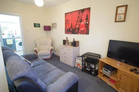 2 bedroom flat to rent - St Georges Street, Cheltenham, GL50 4AF