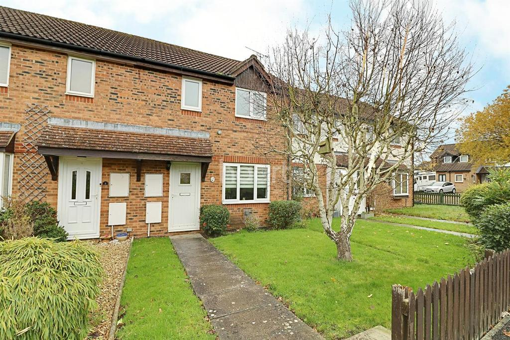 3 Bedrooms Terraced House for sale in Jersey Park, Swindon, Wiltshire