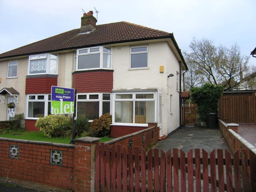 3 Bedrooms Semi Detached House for rent in Rimmington Avenue, Accrington