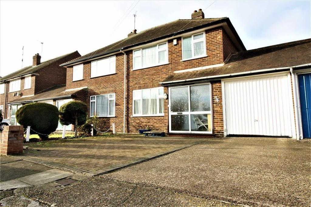 3 Bedrooms Semi Detached House for rent in Rydal Way, South Ruislip