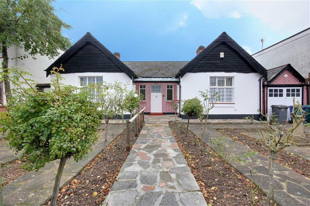 3 Bedrooms Bungalow for sale in Elmgate Gardens, Edgware, Middlesex