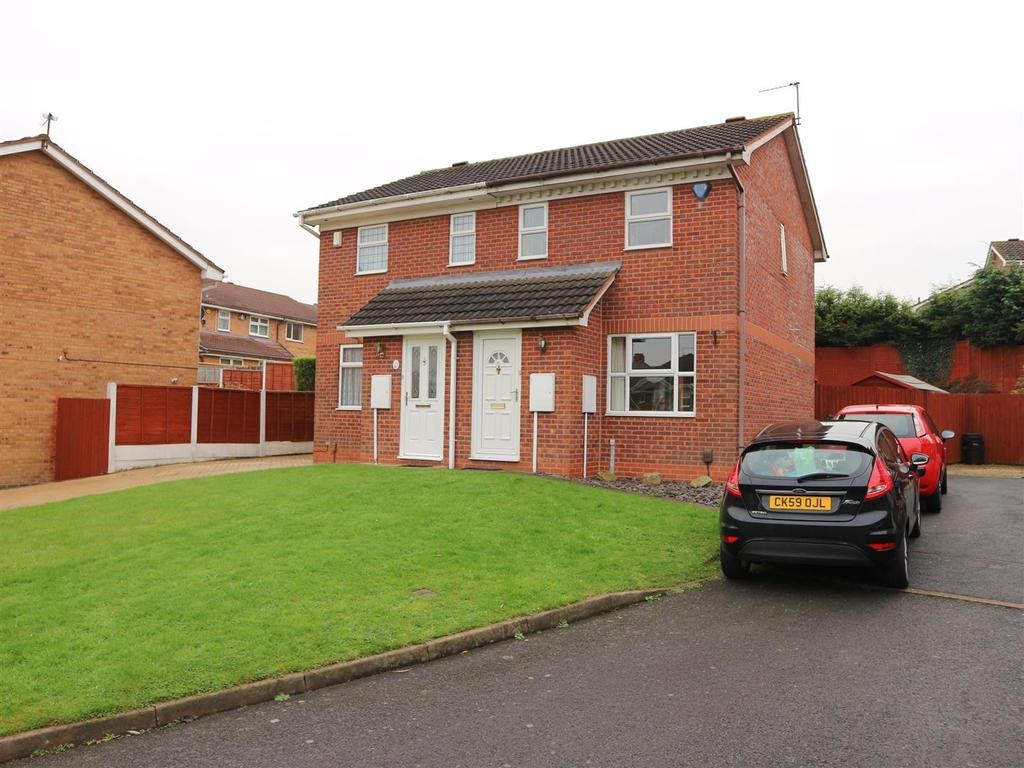 2 Bedrooms House for sale in Somerford Way, Bilston