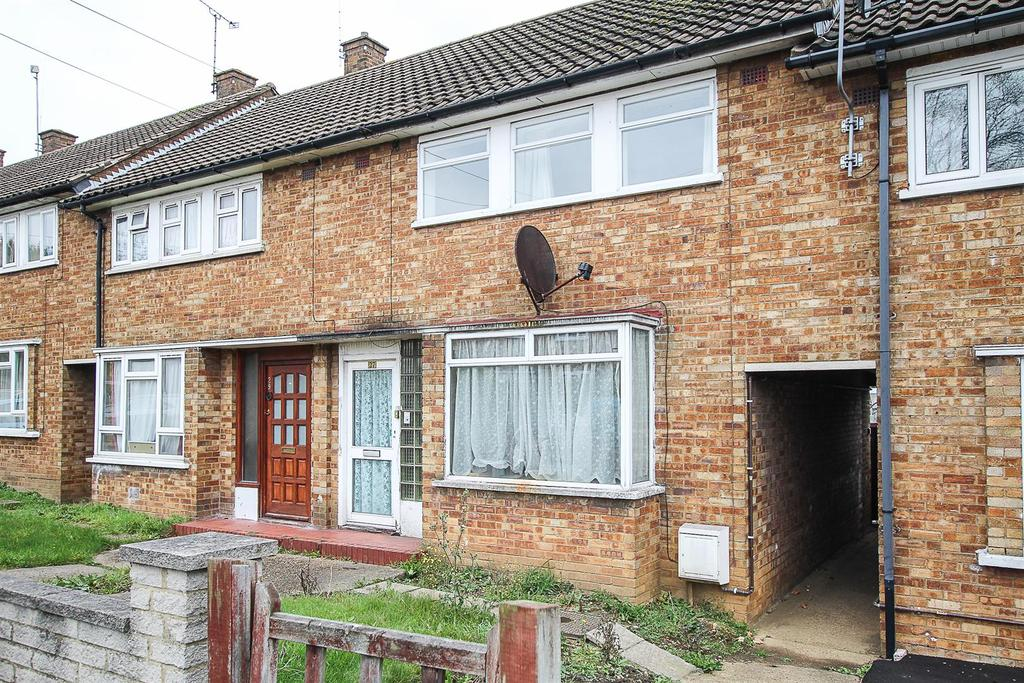 3 Bedrooms Terraced House for sale in Fielding Way, Hutton, Brentwood