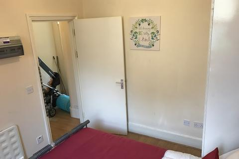 House share to rent - Ancona Road, Plumstead, London SE18