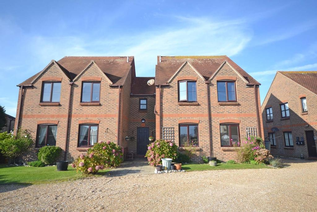 2 Bedrooms Flat for sale in Old Bakery Mews, East Street, Selsey, PO20