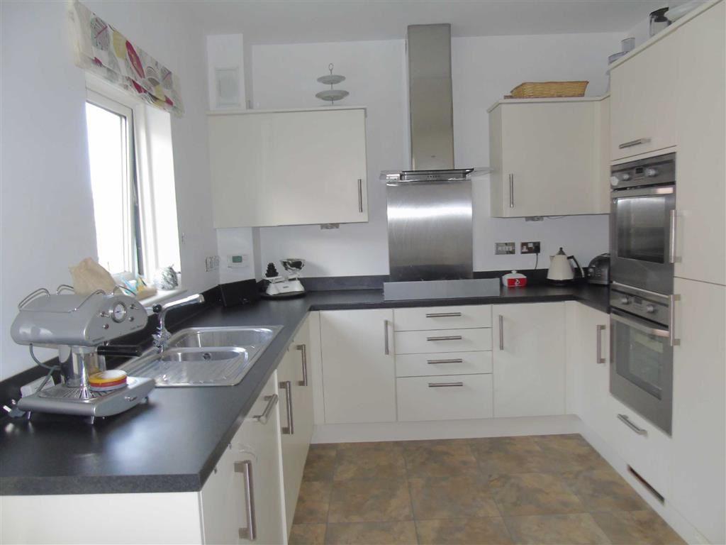 4 Bedrooms Town House for sale in Marina Villas, Marina, Swansea