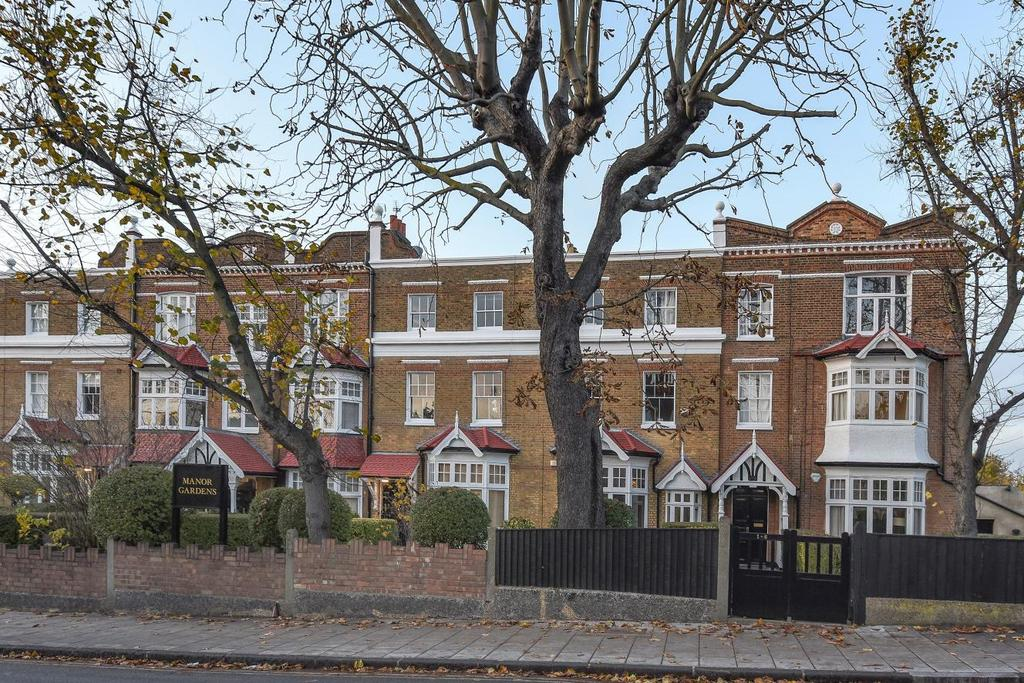 3 Bedrooms Flat for sale in Larkhall Rise, Clapham