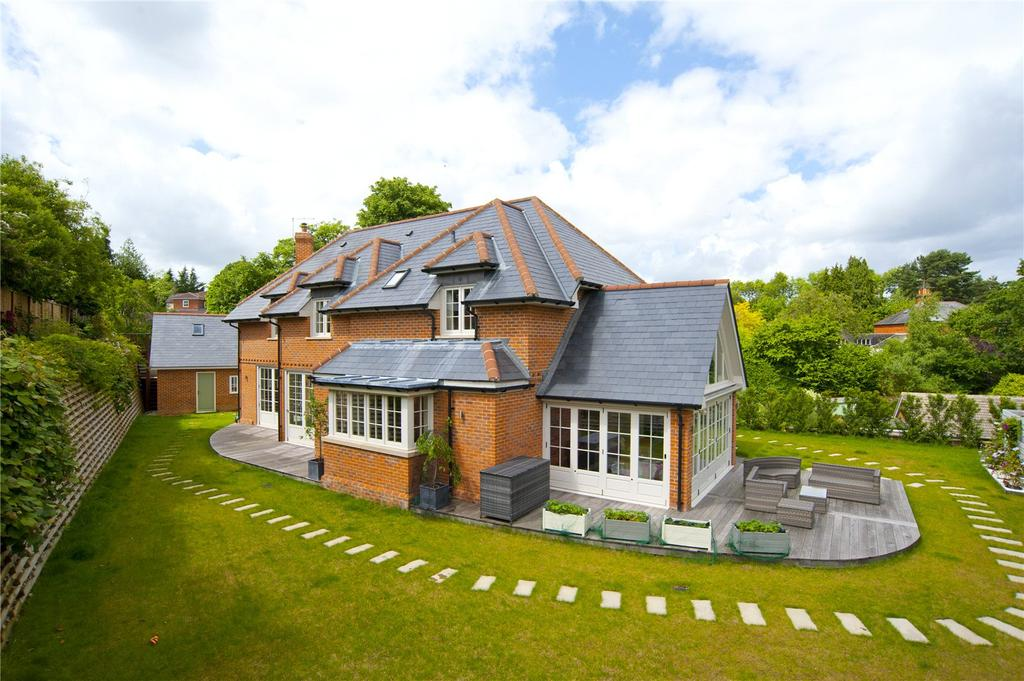 5 Bedrooms Detached House for sale in Sunnydell Lane, Farnham, Surrey, GU10