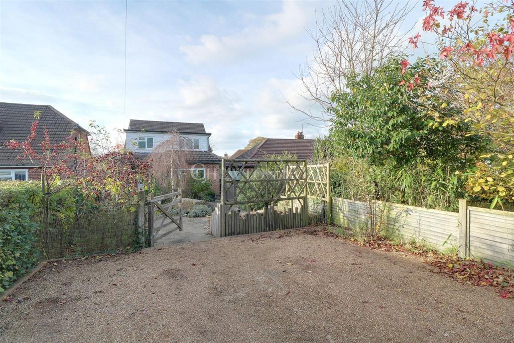 3 Bedrooms Detached House for sale in Ticehurst, Wadhurst, East Sussex. TN5