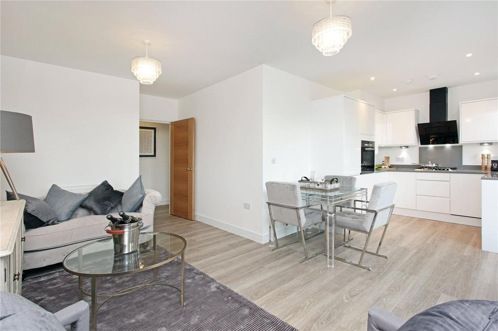 2 Bedrooms Flat for sale in St Catherine's Court, Bradbourne Vale Road, Sevenoaks, Kent, TN13