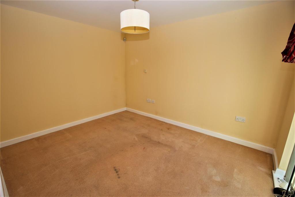 1 Bedroom Flat for sale in Duke of York Wat, Coxheat, Maidstone