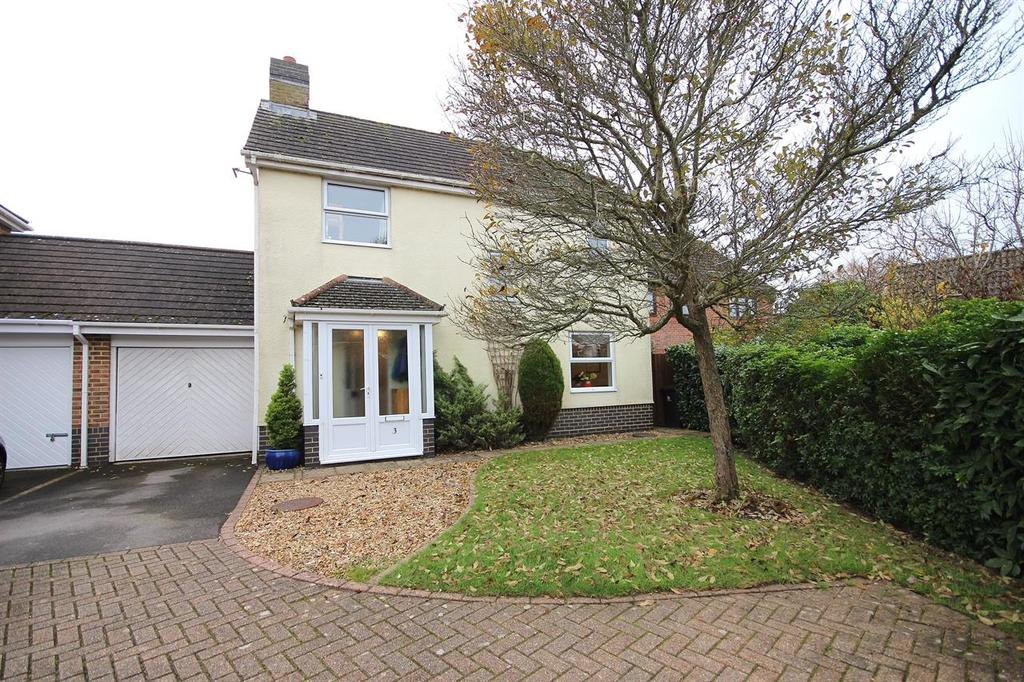 3 Bedrooms Link Detached House for sale in Hadrian Way, Corfe Mullen, Wimborne