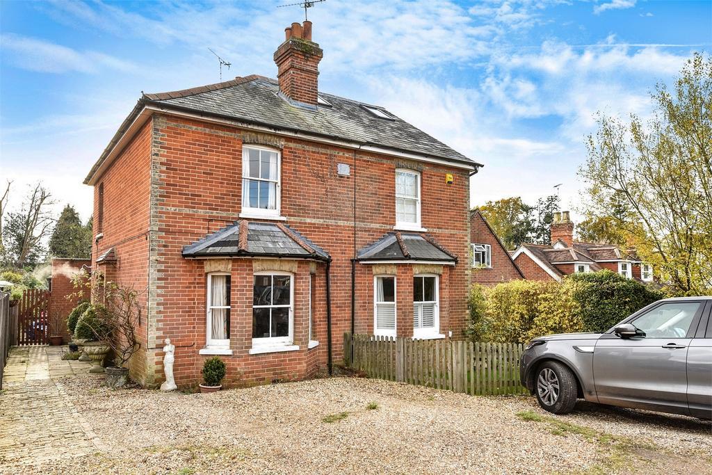 2 Bedrooms Semi Detached House for sale in Rowledge, Farnham, Surrey