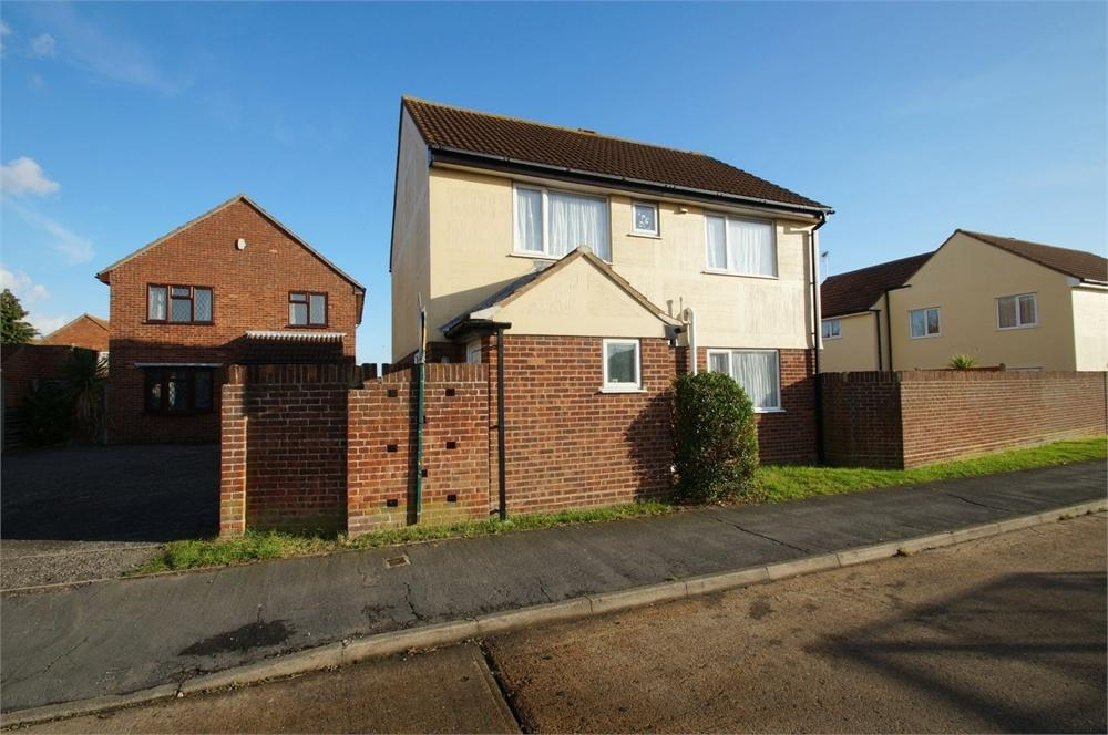 3 Bedrooms Detached House for sale in Hampstead Avenue, CLACTON-ON-SEA, Essex