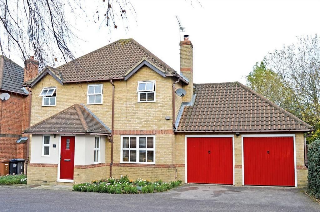 4 Bedrooms Detached House for sale in 6 The Brambles, Bishops Gate, Bishop's Stortford