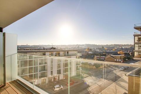 3 bedroom flat for sale - Wyndham apartment, The River Gardens, SE10 0GA