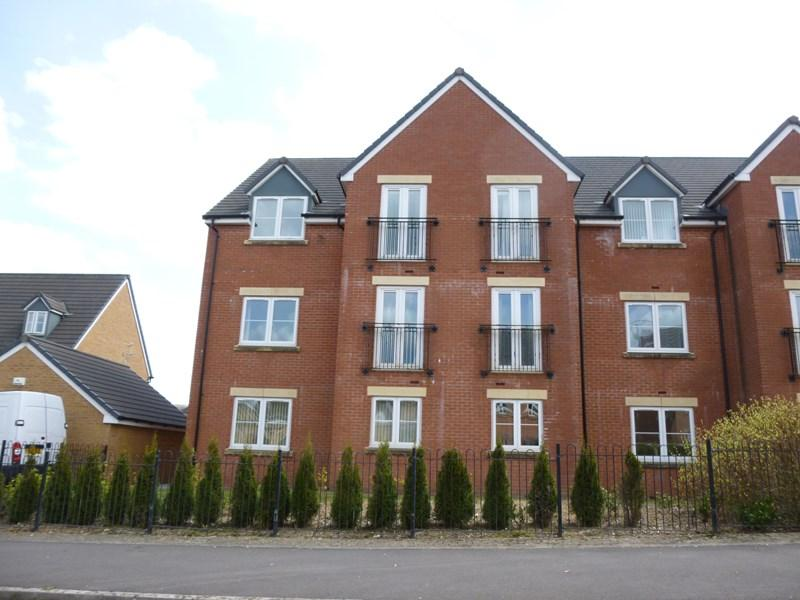 2 Bedrooms Apartment Flat for sale in Knights Walk, Caerphilly