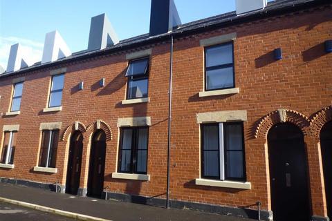 2 bedroom terraced house to rent - Laburnum Street, Chimney Pot Park, Salford, M6