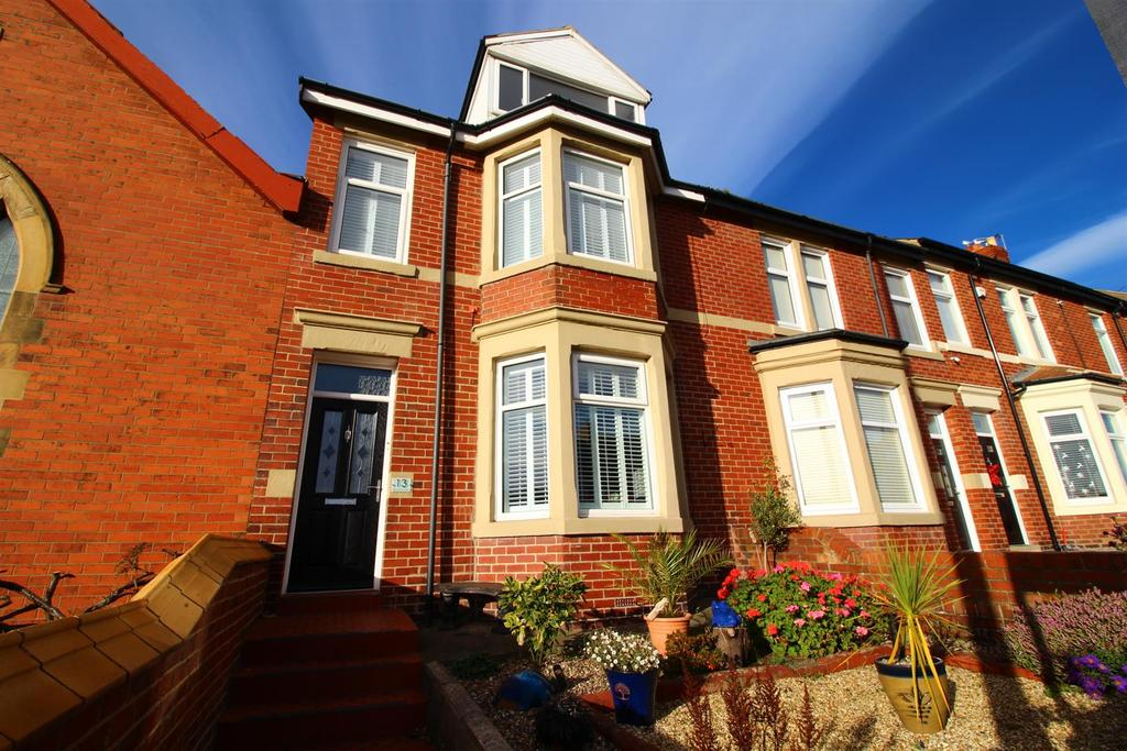 4 Bedrooms House for sale in Promontory Terrace, Whitley Bay