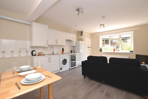 1 bedroom flat to rent - Churston Close London SW2