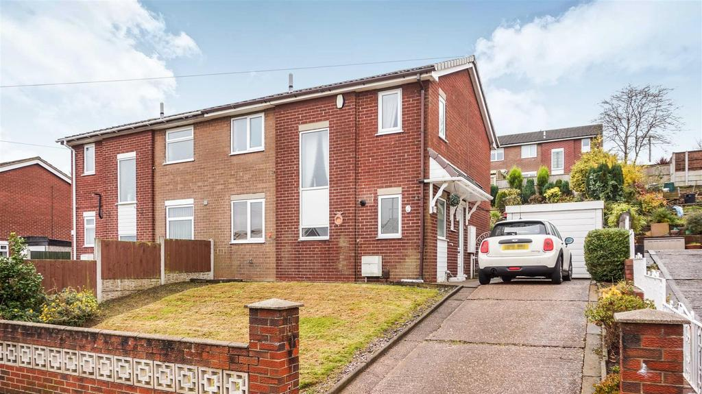 3 Bedrooms Semi Detached House for sale in Ridgway Place, Wolstanton, Newcastle, Staffs
