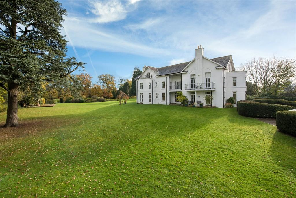 4 Bedrooms Apartment Flat for sale in Castle Keep, London Road, Reigate, Surrey, RH2