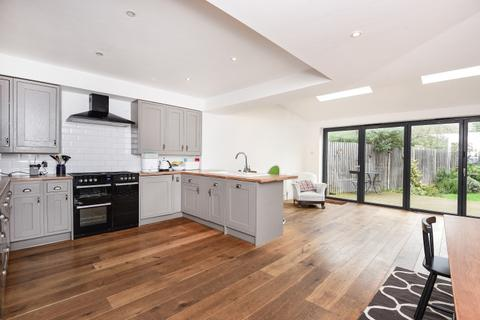 4 bedroom house to rent - Haslemere Avenue Wimbledon Park SW18