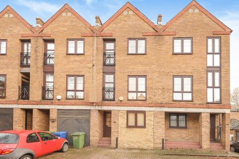 4 bedroom house to rent - Brunswick Quay Surrey Quays SE16