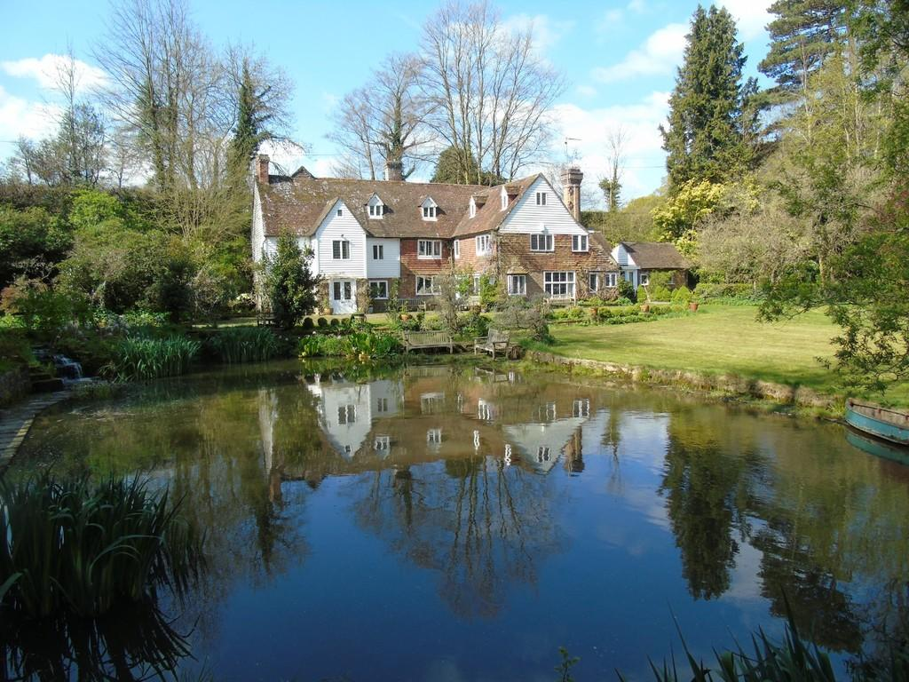 5 Bedrooms Detached House for sale in Cowden, Kent