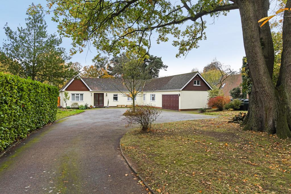5 Bedrooms Detached Bungalow for sale in Little Bealings, Nr Woodbridge