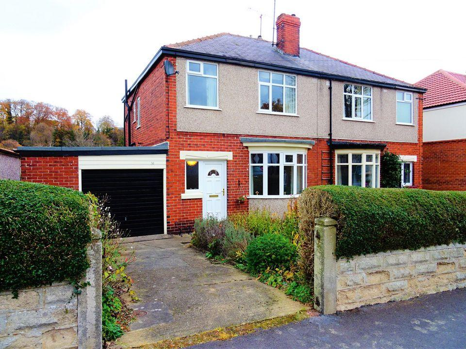 3 Bedrooms Semi Detached House for rent in 36 Struan Road, Carter Knowle, Sheffield S7
