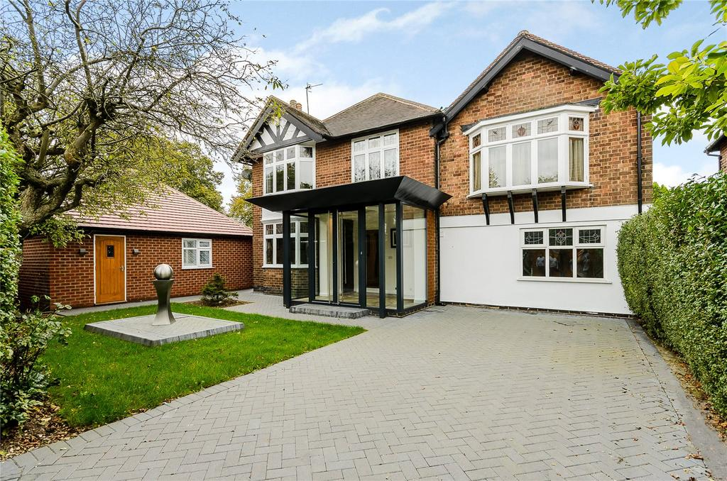 4 Bedrooms Detached House for sale in Thackerays Lane, Woodthorpe, Nottingham, NG5
