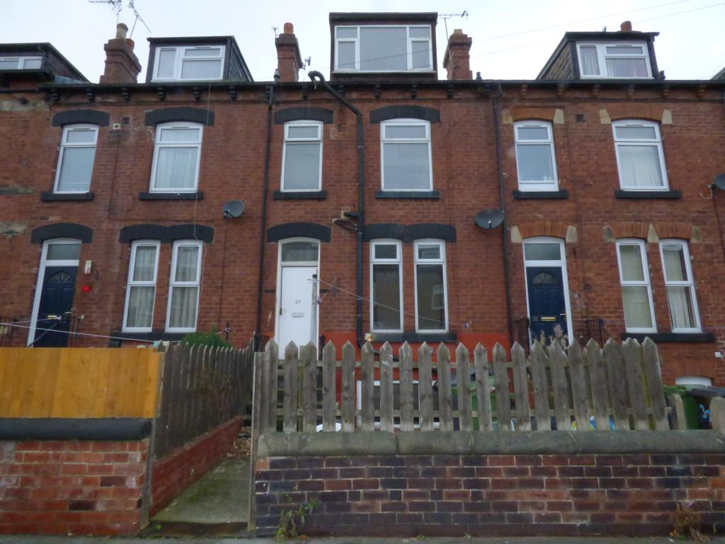 2 Bedrooms Terraced House for sale in Arthington View, Hunslet, LS10 2ND