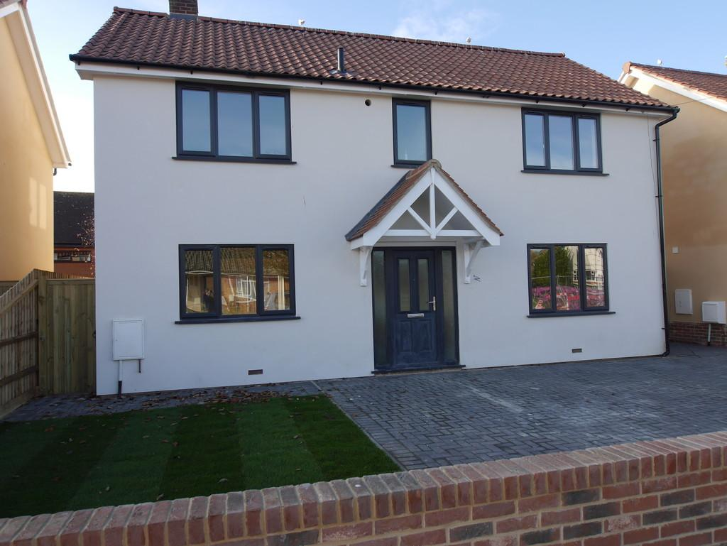 4 Bedrooms Detached House for sale in 1c Bradfield Avenue, Hadleigh, Ipswich, Suffolk, IP7 5ES
