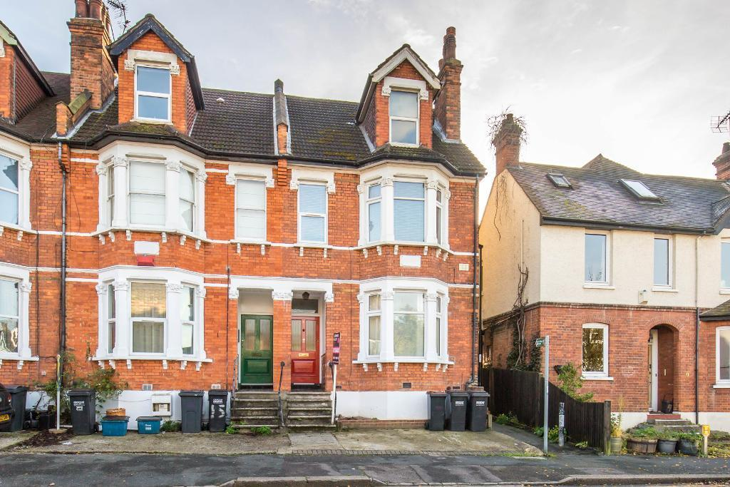 3 Bedrooms Flat for sale in Temple Road, Croydon, Surrey, CR0 1HU