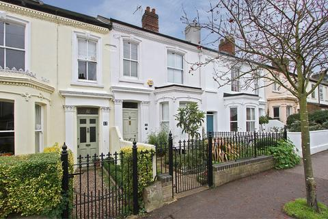 3 bedroom terraced house for sale - Connaught Road, Norwich