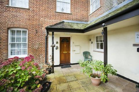 2 bedroom flat for sale - Southcote Lodge, Burghfield Road, Reading,