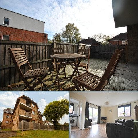 2 bedroom flat for sale - Baring Road London SE12