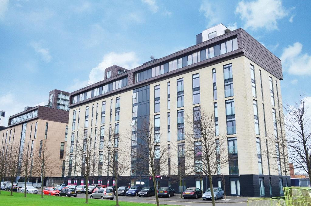 2 Bedrooms Flat for sale in Glasgow Harbour Terrace, Flat 7/10, Glasgow Harbour, Glasgow, G11 6EB